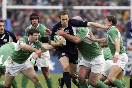 O'Gara's boot secures Ireland win