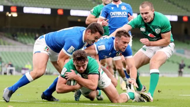 Hugo Keenan dots down for Ireland