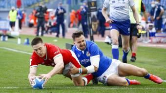 Josh Adams try for Wales